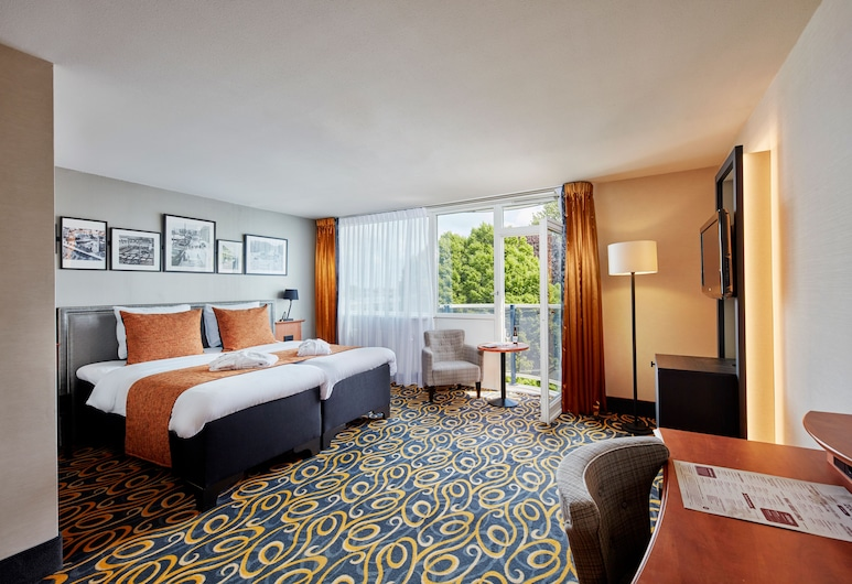 Carlton Square Hotel, Haarlem, The Deluxe One with a balcony, Guest Room