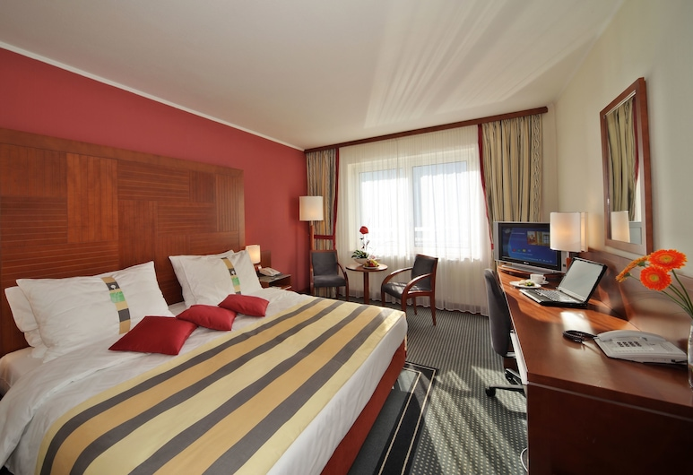 Quality Hotel Brno Exhibition Centre, Brno, Executive Room, 1 King Bed, Non Smoking (Top floor), Guest Room