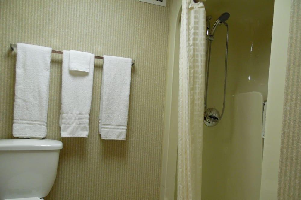 חדר, מיטת קווין - חדר רחצה