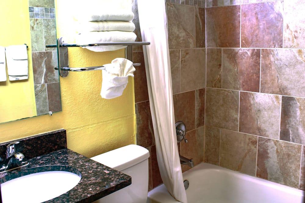 Standardværelse - 1 queensize-seng - ikke-ryger - Badeværelse