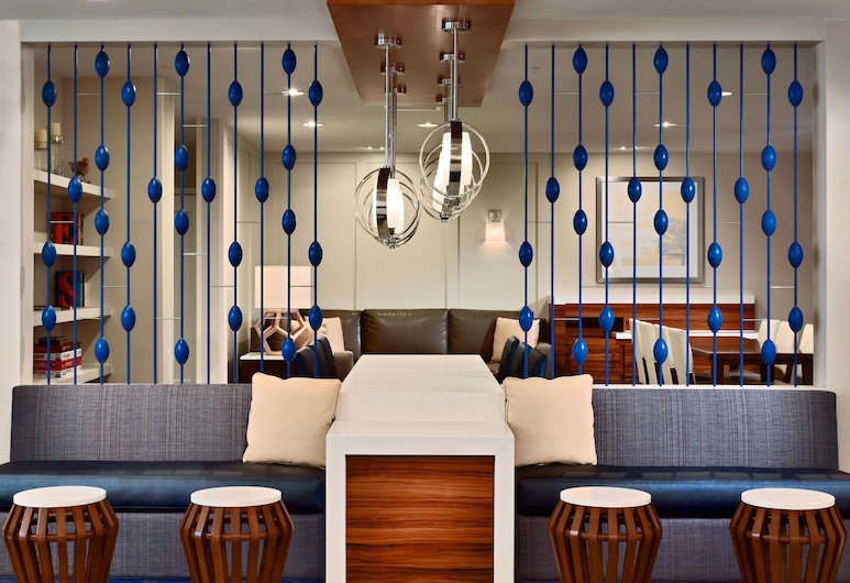 Sonesta ES Suites St. Louis Westport, מרילנד הייטס, לובי