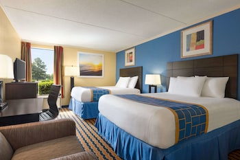 A(z) Days Inn & Suites by Wyndham Fort Bragg/Cross Creek Mall hotel fényképe itt: Fayetteville