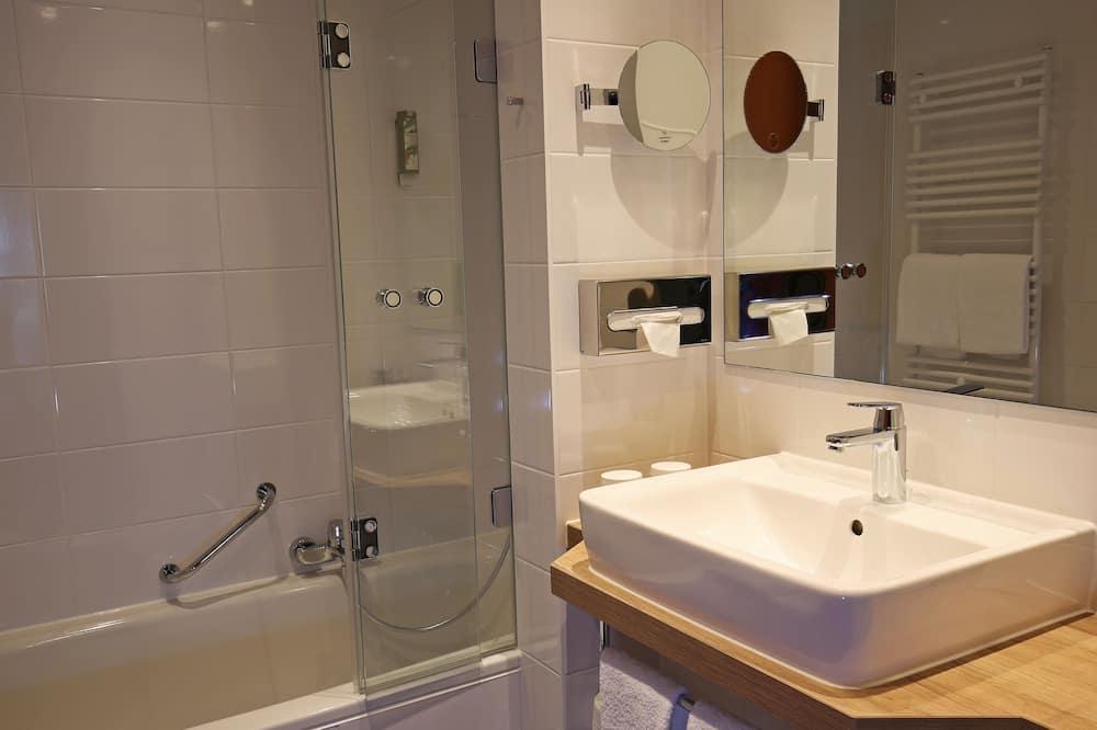Chambre Deluxe, 1 lit double et 1 canapé-lit, non-fumeurs (1 Double Bed and 1 Person Sofa Bed) - Salle de bain