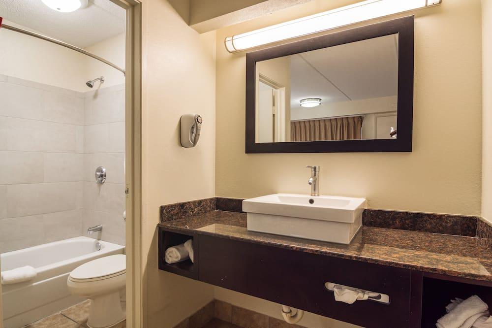 Deluxe szoba, 1 king (extra méretű) franciaágy, nemdohányzó - Fürdőszoba