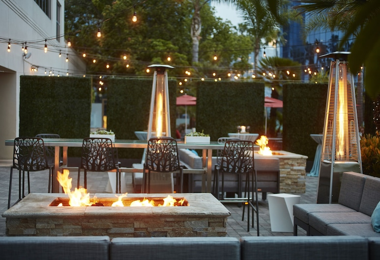 Embassy Suites by Hilton San Diego - La Jolla, San Diego, Terasa/trijem