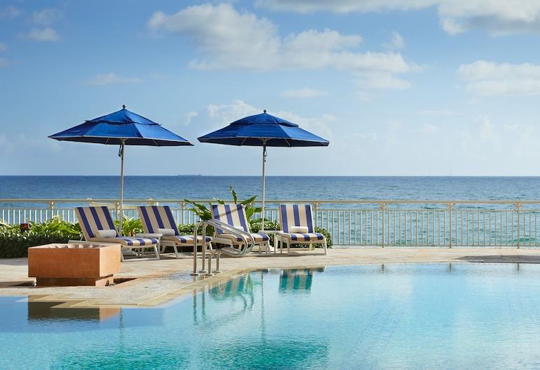 ذا ريتز كارلتون - بالم بيتش, مانالابان, حمّام سباحة خارجي