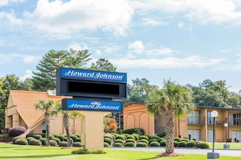 Picture of Howard Johnson by Wyndham Athens in Athens