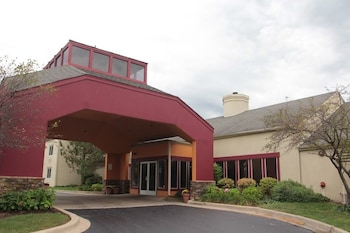 Picture of Clubhouse Oakbrook Inn & Suites in Westmont