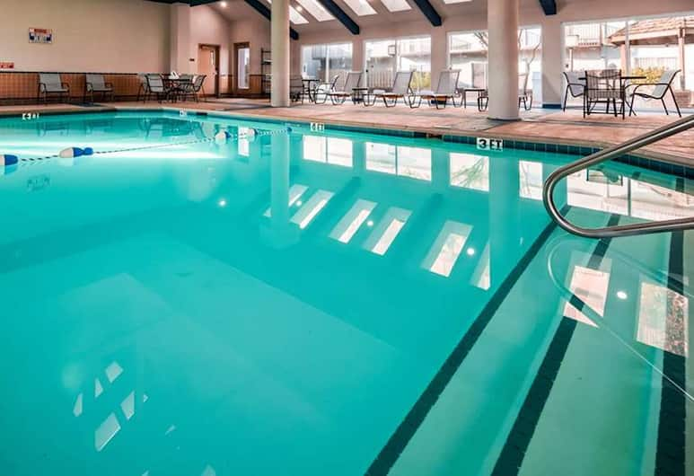 SureStay Plus Hotel by Best Western Kansas City Airport, Kansas City, Indoor Pool
