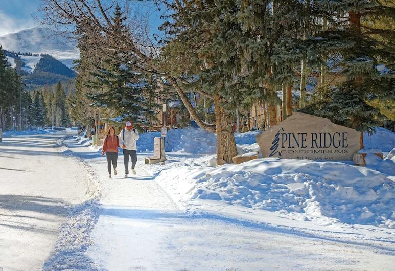 Pine Ridge Condominiums, Breckenridge, Property entrance