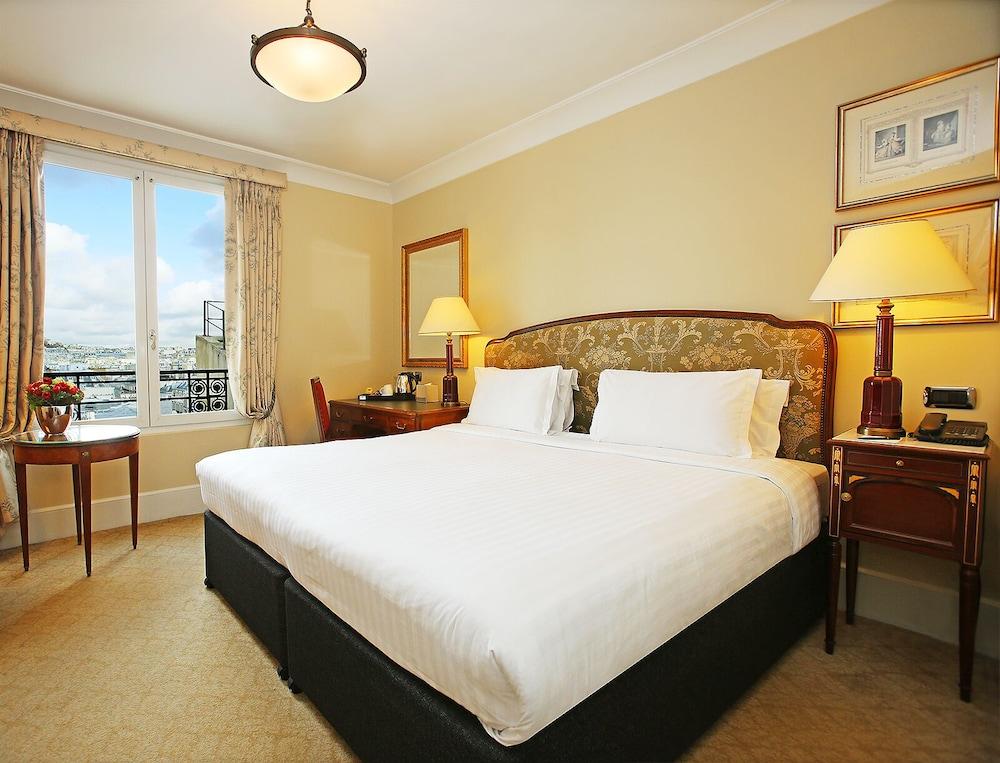 book millennium hotel paris op ra in paris. Black Bedroom Furniture Sets. Home Design Ideas