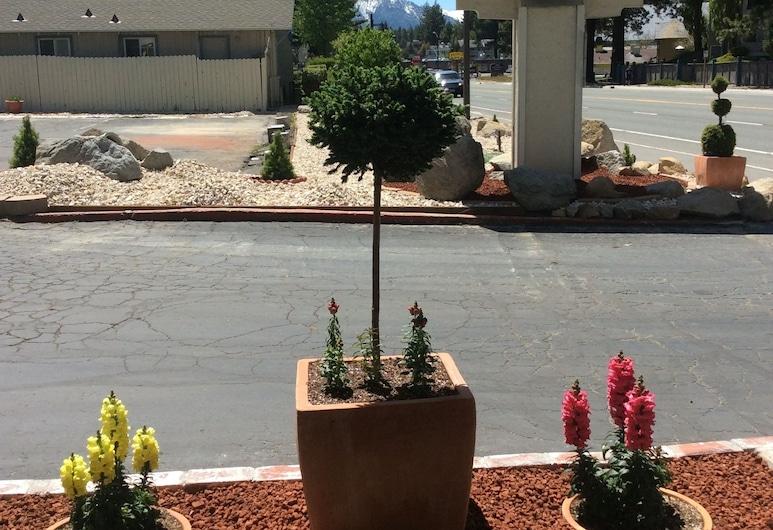 Travel Inn, Lago Tahoe sur, Parte delantera del hotel