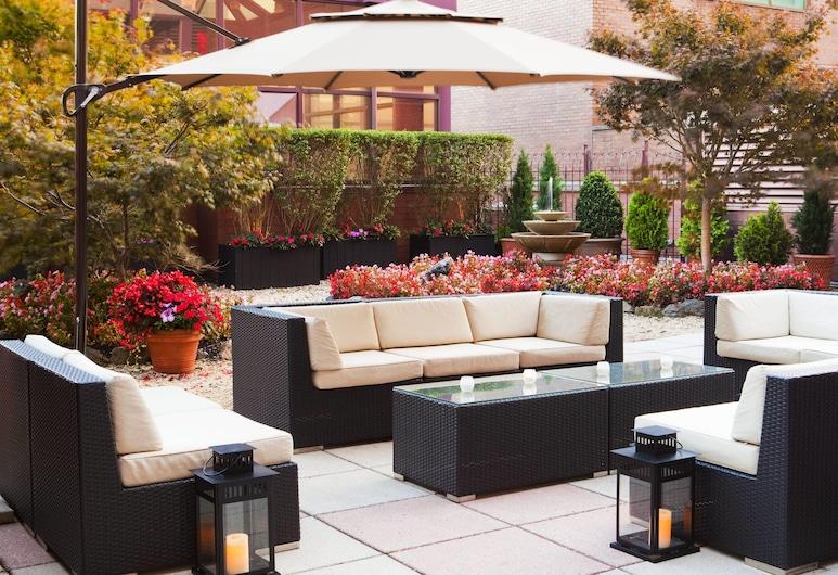 Sheraton LaGuardia East Hotel, Флашінг, Тераса/внутрішній дворик
