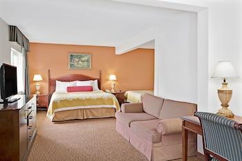 תמונה של Torrance Inn and Suites בטורנס