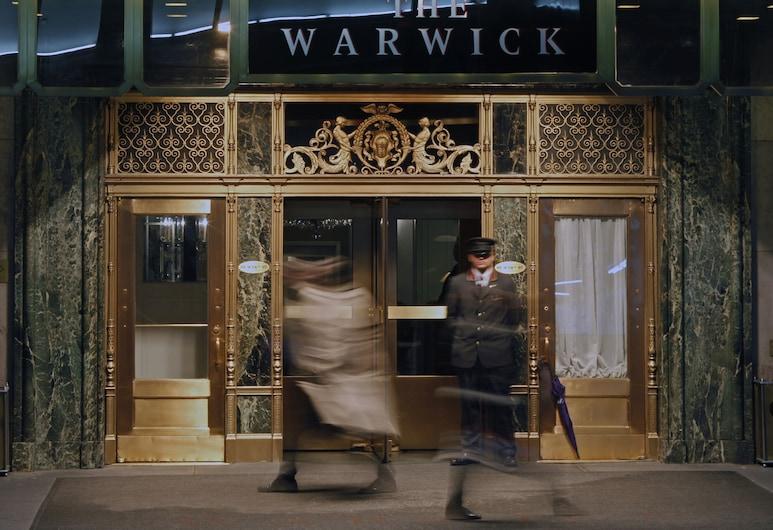 Warwick New York, Nova York, Entrada do hotel