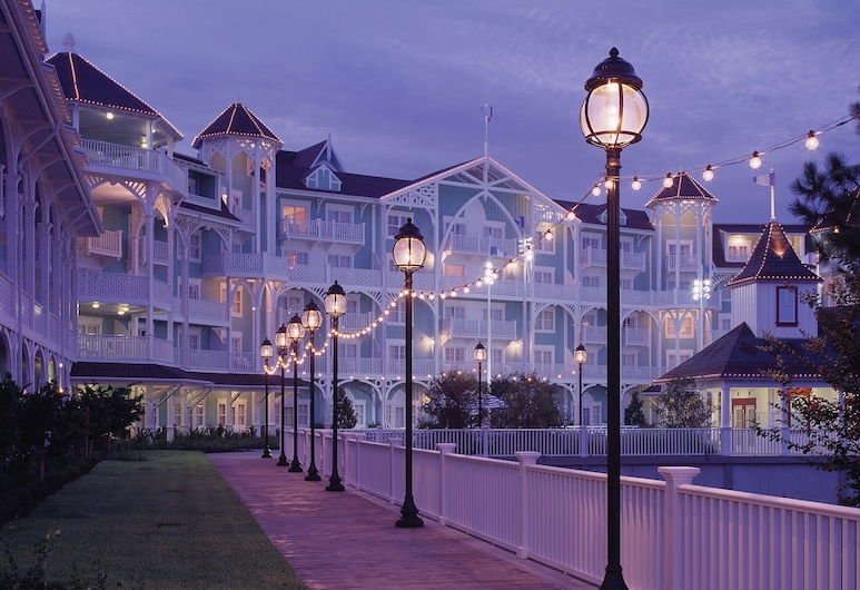 Disney's Beach Club Villas, Lake Buena Vista, Front of property - evening