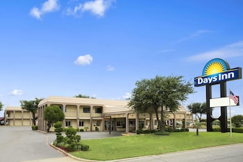 Picture of Days Inn by Wyndham Dallas Irving in Irving