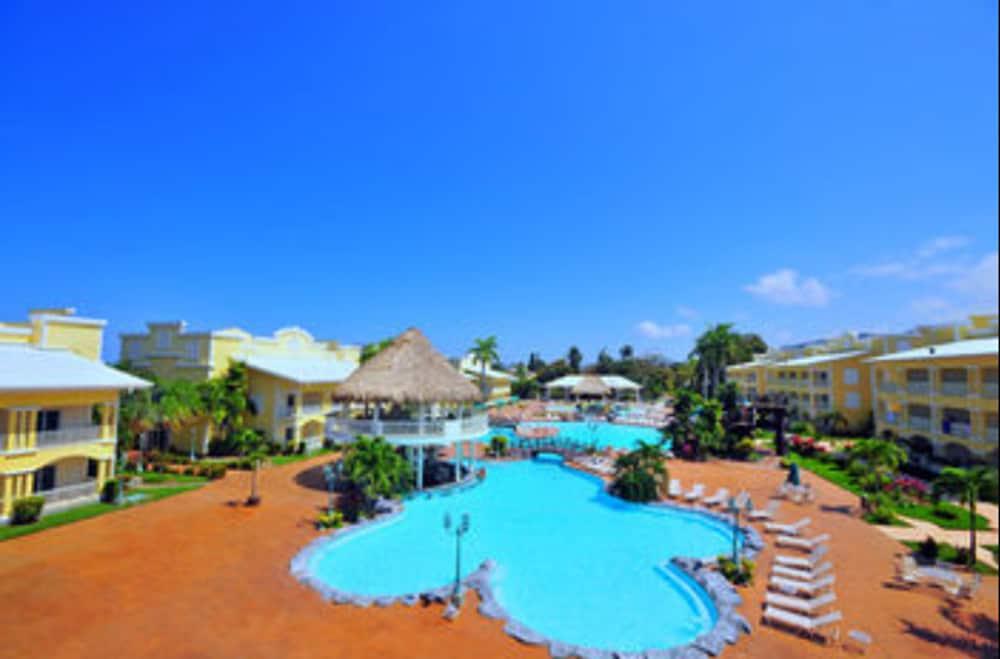 telamar resort en tela On hotel barcelo tela honduras