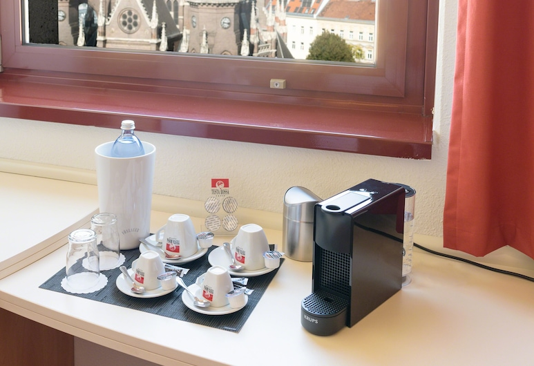 ibis Wien Mariahilf, Vienna, Standard Double Room, 1 Double Bed, View, Guest Room