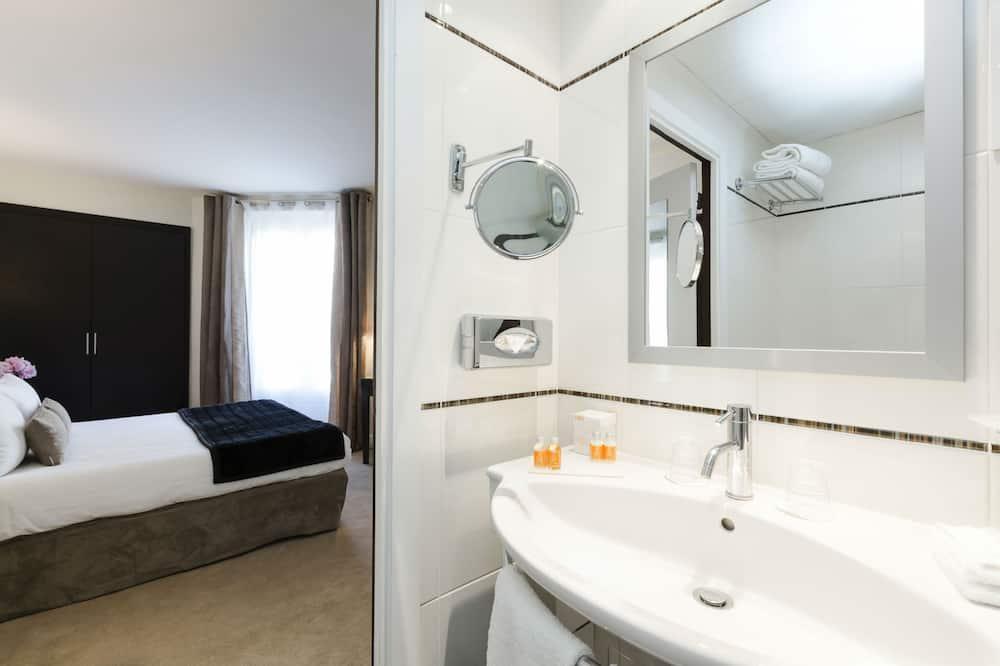 Pagerinto tipo kambarys, sujungti kambariai - Vonios kambarys