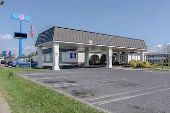 Picture of Motel 6 Staunton in Staunton