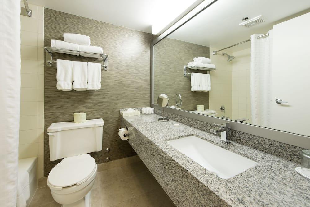 Deluxe-Zimmer, 2Doppelbetten (Garden) - Badezimmer