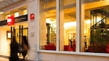 Choose This 3 Star Hotel In Blois