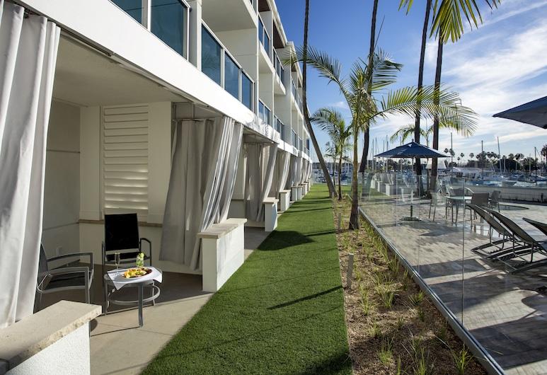 Marina del Rey Hotel, Marina del Rey, Deluxe tuba, 2 laia voodit, vaade jahisadamale, Terrass