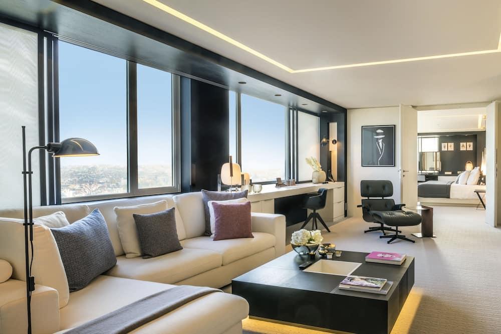 Grand suite, 1 slaapkamer, 2 badkamers, Uitzicht op de stad - Woonruimte