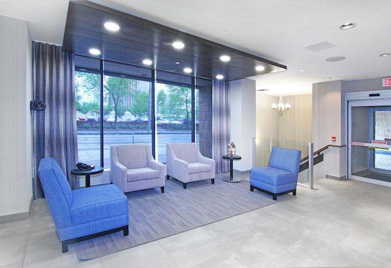 Holiday Inn Express Hotel & Suites Calgary, Calgary, Lobby
