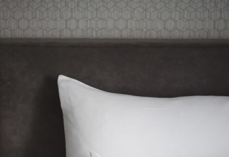 Central Hotel, Ljubljana, Comfy Double Room, Guest Room