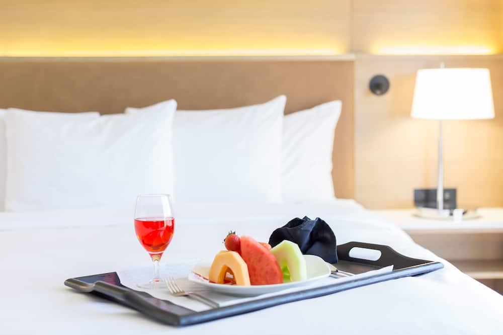 Suite, 1 cama King size, para no fumadores (1 Bedroom) - Servicio de comidas en la habitación