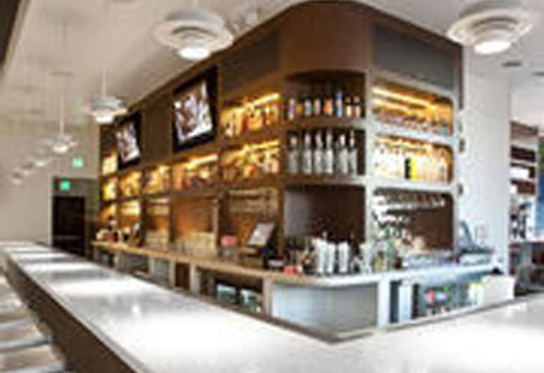 Ramada Plaza by Wyndham West Hollywood Hotel & Suites, West Hollywood, Hotel Lounge