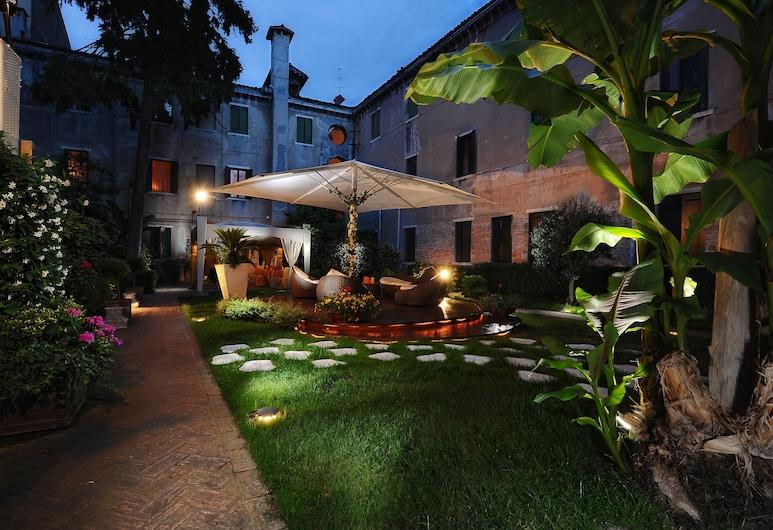 Hotel Abbazia, Venecia, Patio