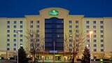 Reserve this hotel in Cincinnati, Ohio