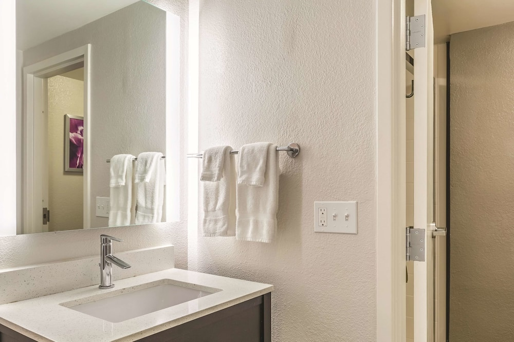 Soba, 1 queen size krevet, pristup za osobe s invalidnošću (Mobility/Hearing Impaired Accessible) - Kupaonica