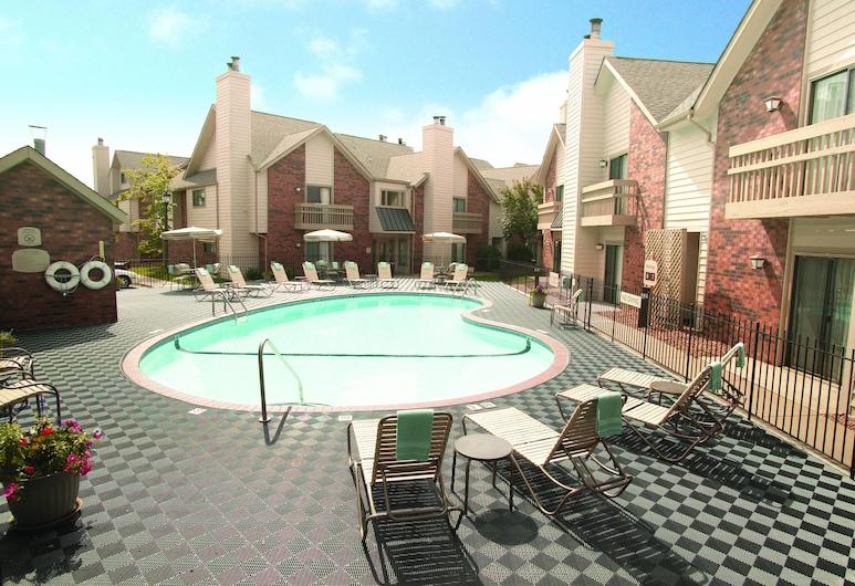 明尼阿波里斯市伊登草原萬豪原住酒店, 伊甸普雷里, 室外泳池