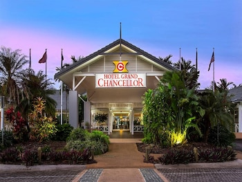 Picture of Hotel Grand Chancellor Palm Cove in Palm Cove