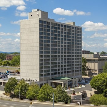 Picture of Red Lion Hotel Hartford in Hartford