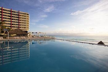 ภาพ Crown Paradise Club Cancun All Inclusive ใน เอเว็นนิดา คูคุลคาน
