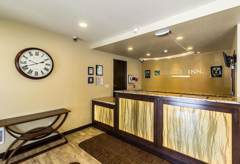 Quality Inn, Grand Forks, Lobby