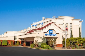 Picture of Wyndham Visalia in Visalia