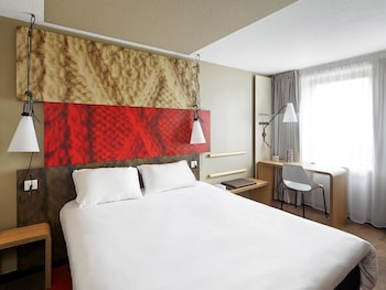Choose This Mid-Range Hotel in Champs-sur-Marne