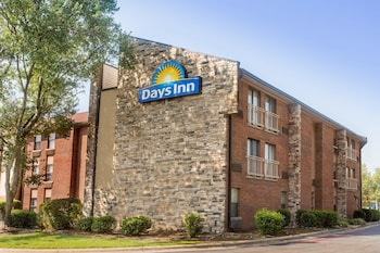 תמונה של Days Inn by Wyndham Raleigh-Airport-Research Triangle Park במוריסוויל