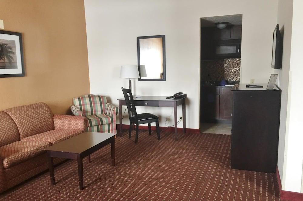 Suite, 2 Queen Beds, Non Smoking, Kitchenette - Living Room