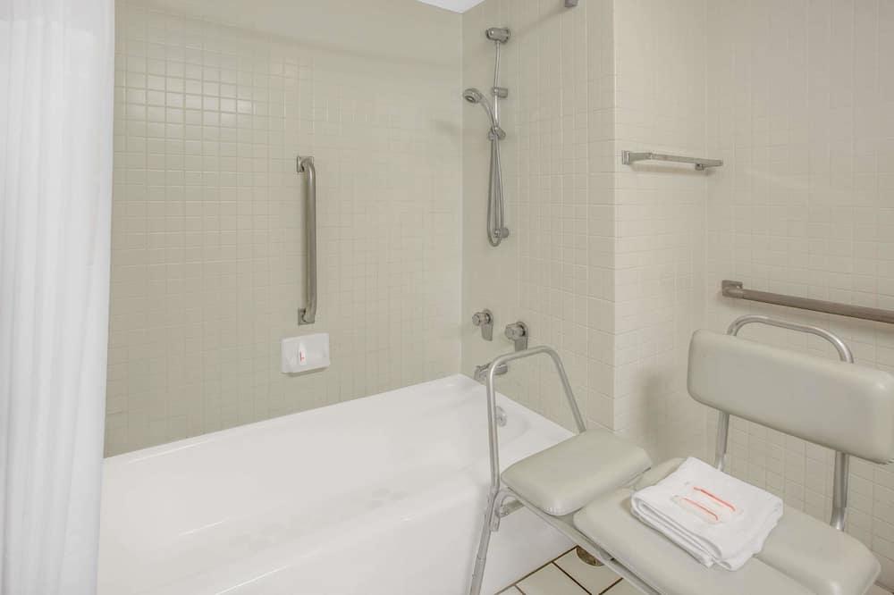 客房, 無障礙, 雪櫃 - 浴室