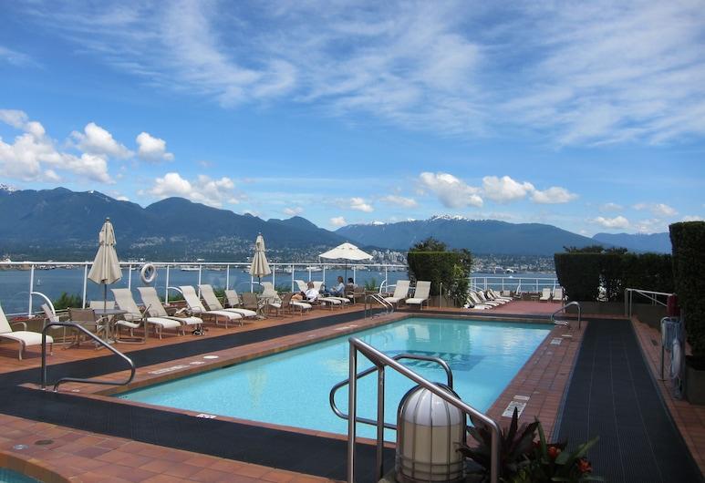 Pan Pacific Vancouver, Vancouver, Bazén na střeše