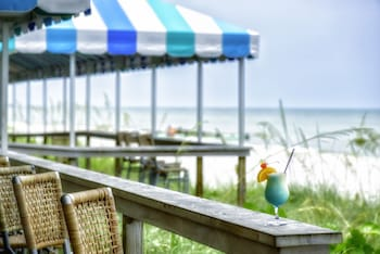 Picture of Naples Beach Hotel and Golf Club in Naples