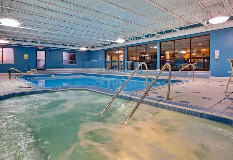 Holiday Inn Express Sault Ste. Marie, Sault Ste. Marie, Pool