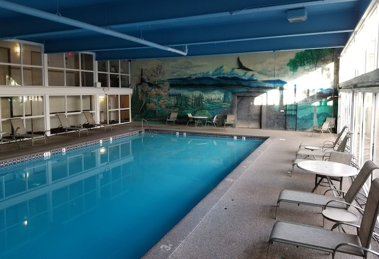 Clarion Inn, Pueblo, Innen-/Außenpool